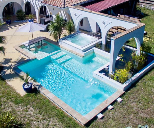 piscine avec un revêtement membrane armée