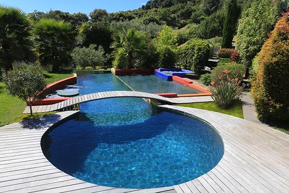 Vu sur linternaute.com : une sélection de belles piscines qui donne envie de plonger !