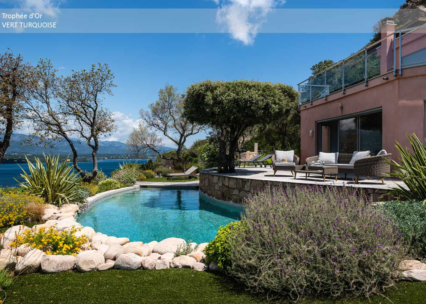 En images, découvrez les lauréats de la catégorie piscine familiale de forme libre des Trophées de la Piscine et du Spa 2018