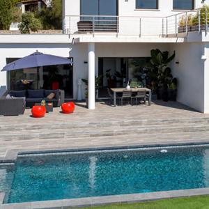 Découvrez les piscines citadines inférieure à 30m² de forme libre, lauréates des Trophées de la Piscine et du Spa 2017