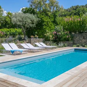 Retrouvez les magnifiques piscines lauréates de la catégorie rénovation de piscine des Trophées de la Piscine et du Spa