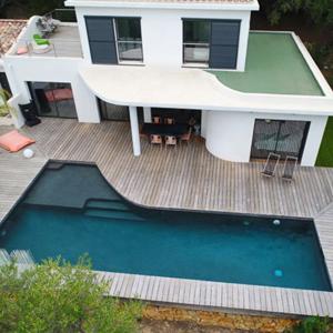 Des piscines plus petites et mieux équipées accessibles au plus grand nombre