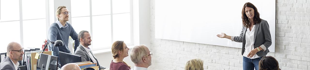 stagiaires écoutant un intervenant dans le cadre d'une formation, visuel utilisé pour l'inscription au centre de formation de la FPP