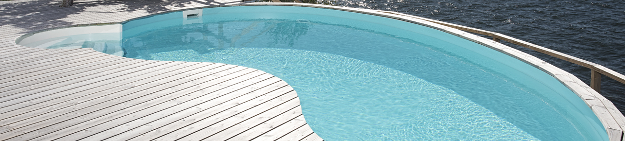 piscine en forme de haricot pour illustrer le changement de forme possible lors d'une rénovation