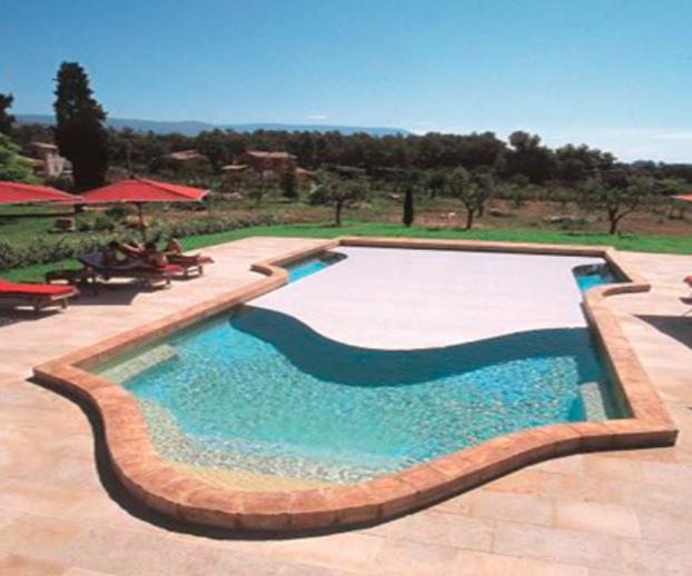 photo d'une couverture de piscine