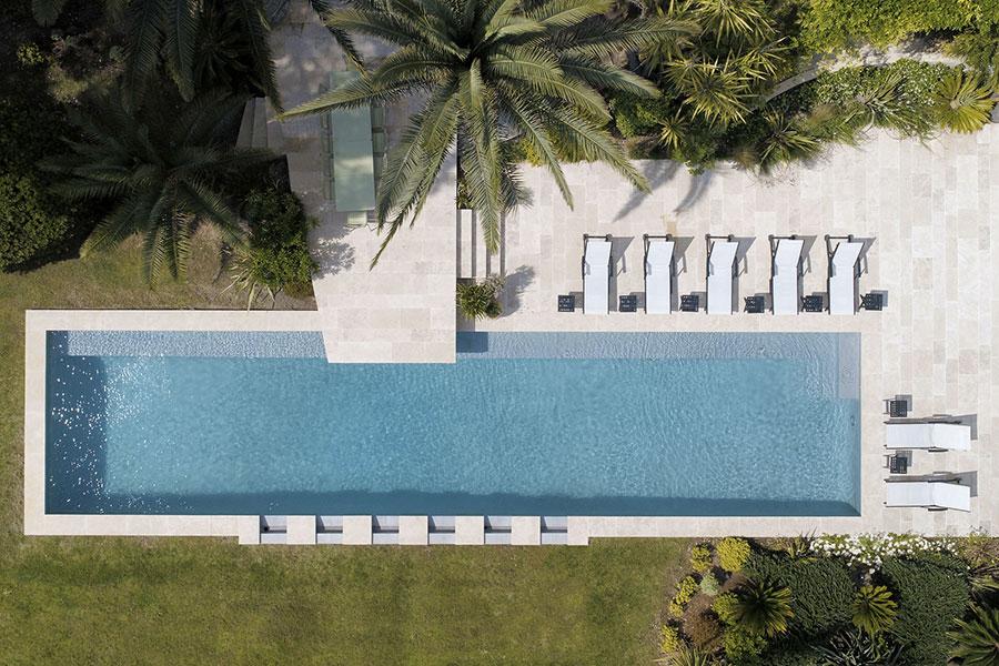 piscine de 20m sur 4.50m lauréate des Trophées de la piscine 2018 dans la catégorie piscine d'exception