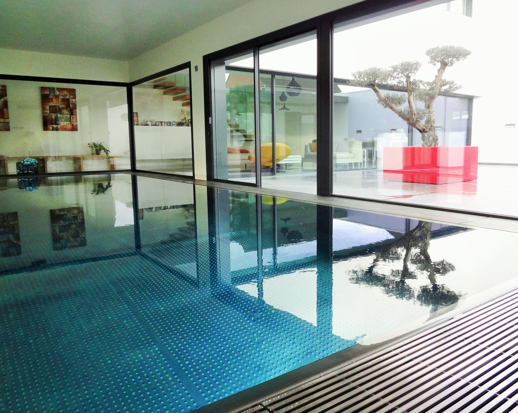 piscine d'intérieure en inox lauréate des Trophées de la piscine 2018 catégorie piscine intérieure
