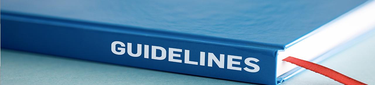 """livre bleu fermé avec son titre noté sur le côté """"guide"""" illustrant la partie sur les guides de la FPP"""