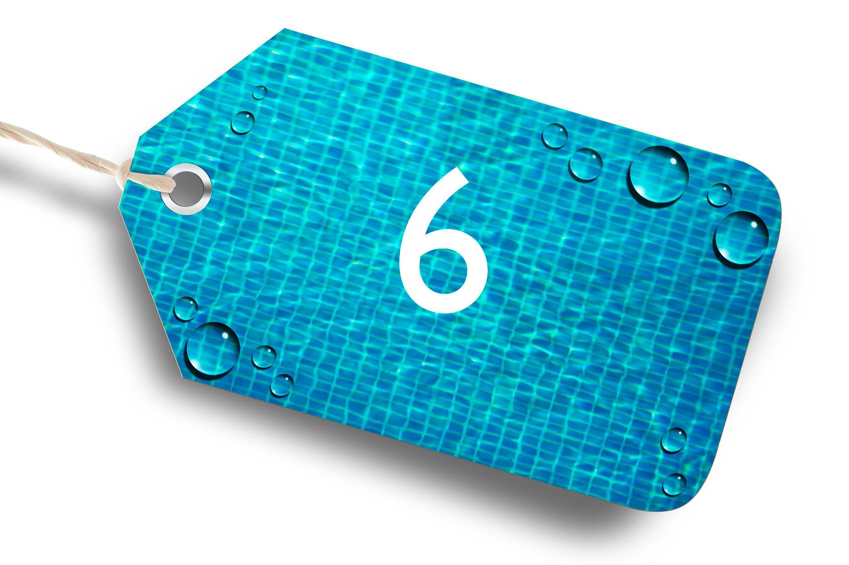Photo d'une étiquette bleu avec le chiffre 6 par Propiscines