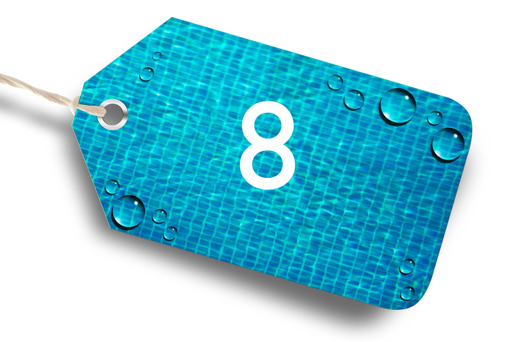 Photo d'une étiquette bleu avec le chiffre 8 par Propiscines